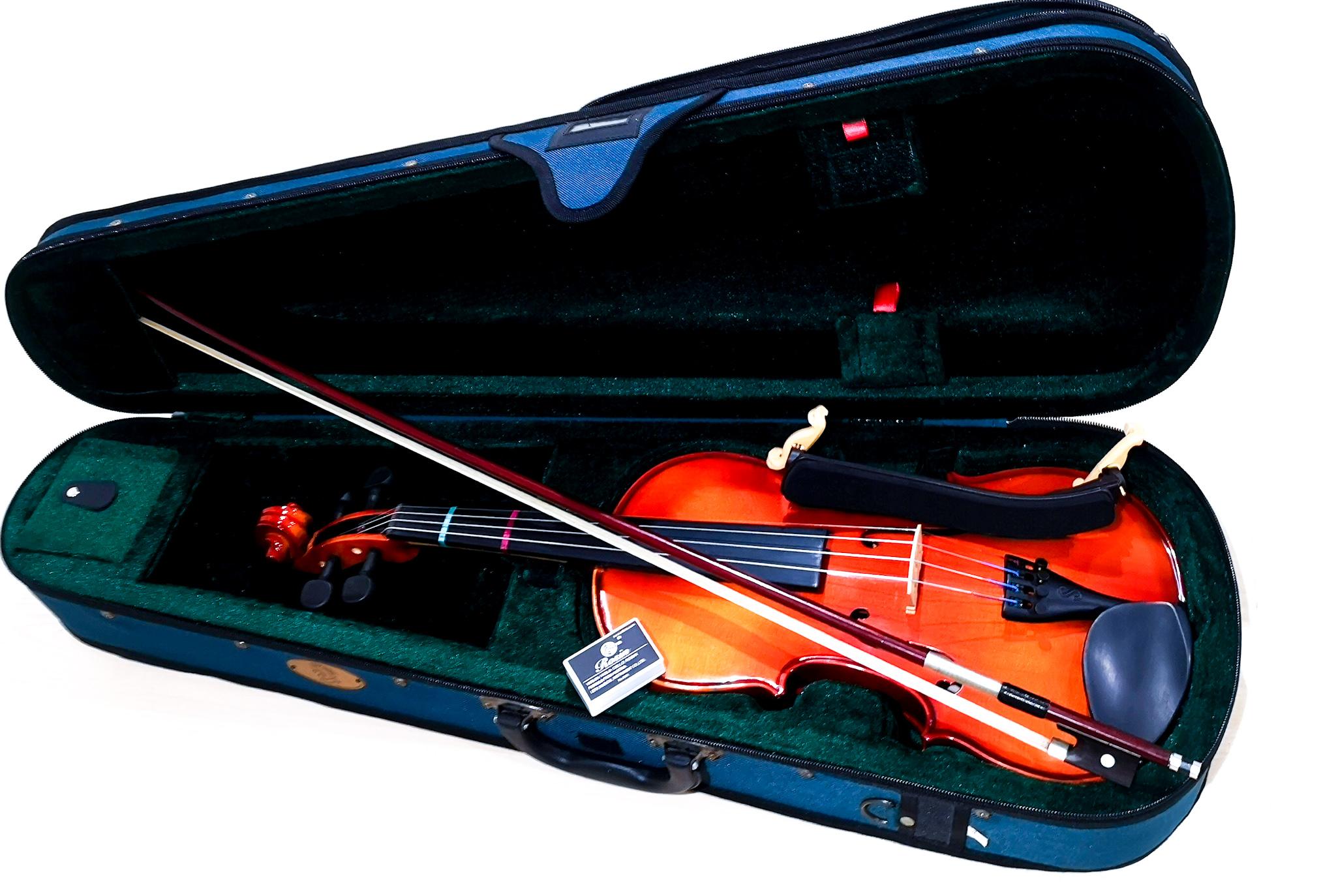 レンタルは、必要な小物含めた、すぐに弾ける一式